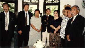 Watilette en meer zogenaamde Molukse leiders met president Wahid
