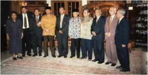 Molukse kopstukken in overleg met president Wahid