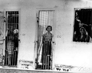 Sukarno hielp Japan mee in de kampen waar ook Nederlanders werden vastgehouden, net zoals Indische en Molukse mensen