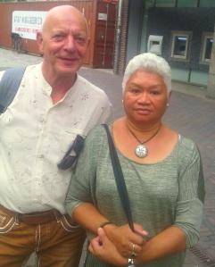 Tim Notenboom met zijn vrouw Mariette Kawarnidi, tekenden bezwaar aan tegen afwijzing op kantoor SVB